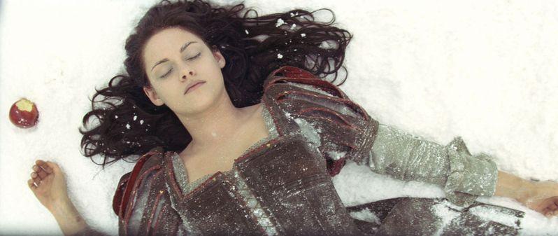 <strong><em>Snow White and the Huntsman</em></strong> Teen Vogue Photos #3