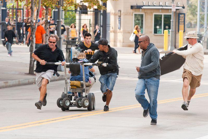 Taylor Lautner in action on the <strong><em>Abduction</em></strong> set