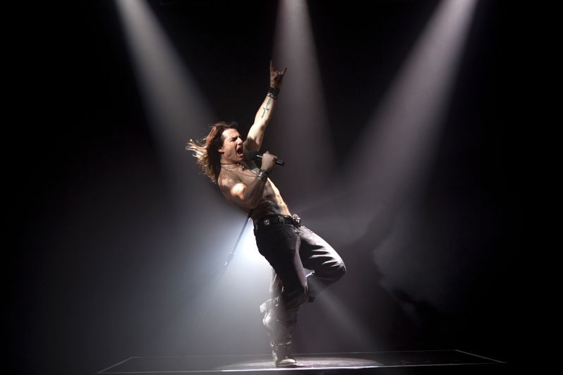 Tom Cruise in <strong><em>Rock of Ages</em></strong>