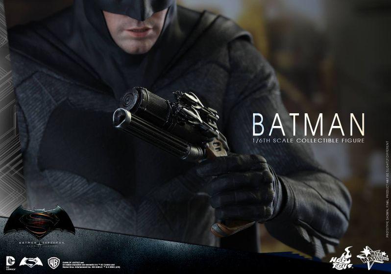 <strong><em>Batman v Superman: Dawn of Justice</em></strong> Hot Toys Photo 12