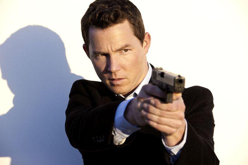 Shawn Hatosy is Detective Sammy Bryant