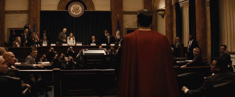 <strong><em>Batman v Superman: Dawn of Justice</em></strong> photo 6