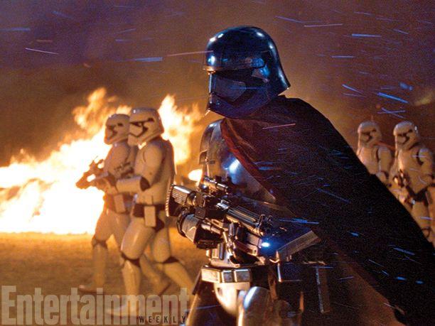 <strong><em>Star Wars: The Force Awakens</em></strong> Photo 15