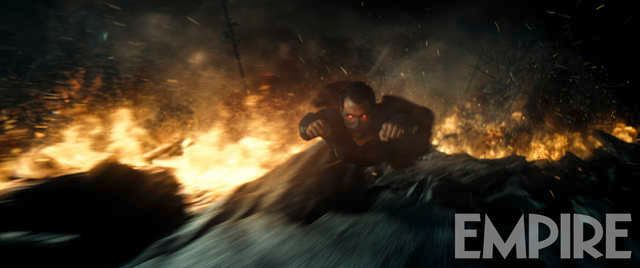 Batman v Superman Empire Photo 4