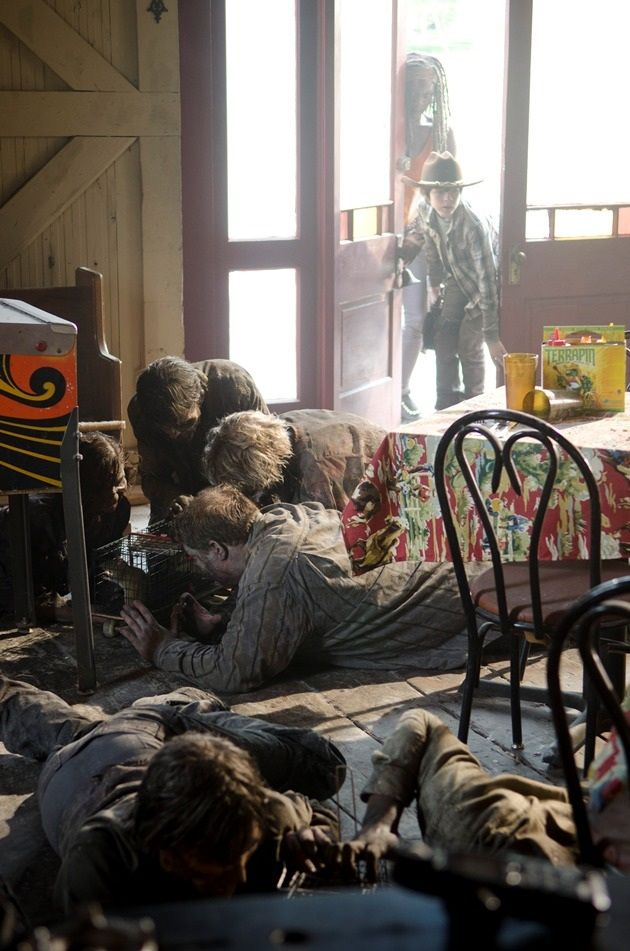 <strong><em>The Walking Dead</em></strong> Season 3 Episode 12 Photo 6