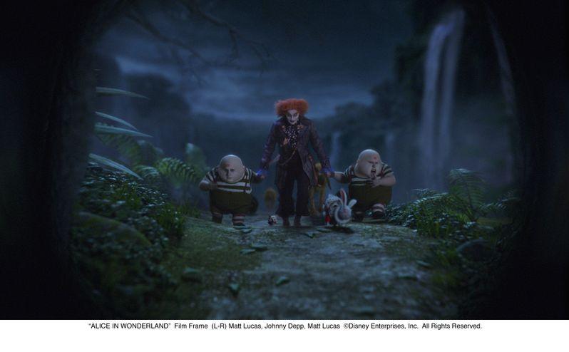 Johnny Depp in <strong><em>Alice in Wonderland</em></strong>