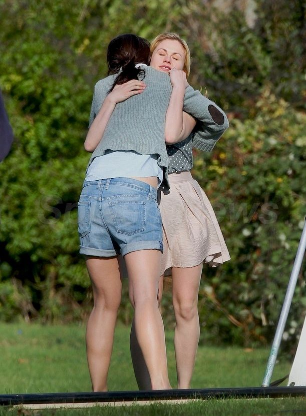 Anna Paquin and Katie Holmes on the set of <strong><em>The Romantics</em></strong>