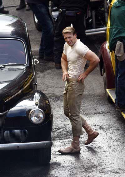 Chris Evans on the <strong><em>Captain America: The First Avenger</em></strong> set