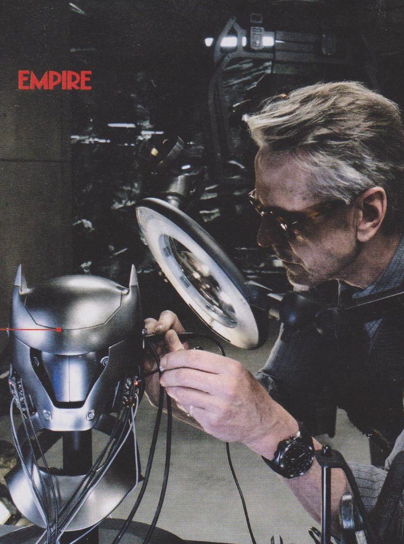 <strong><em>Batman v Superman: Dawn of Justice</em></strong> Empire Magazine Photo 6