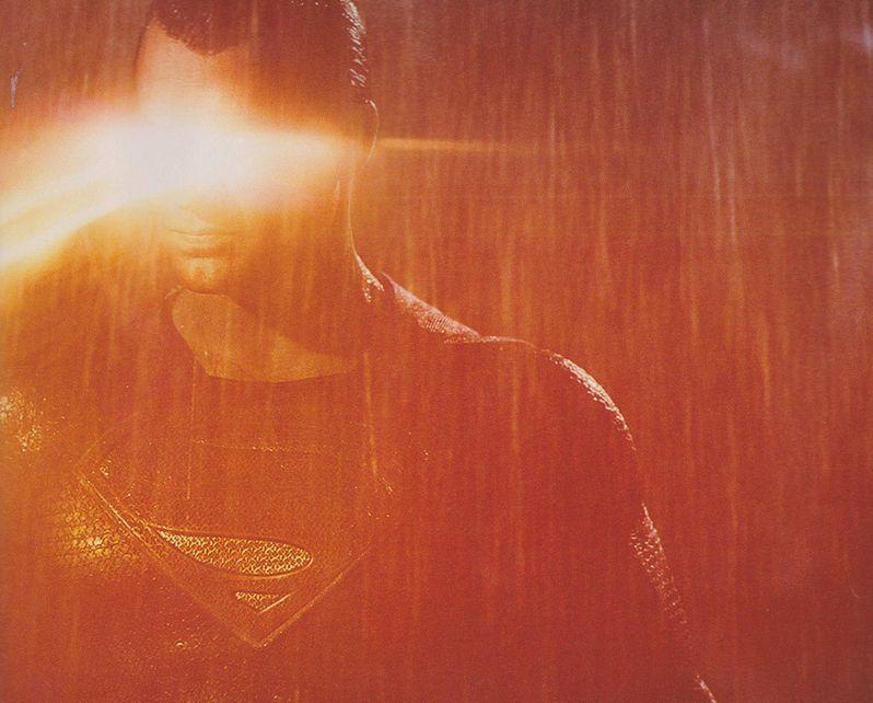 <strong><em>Batman v Superman: Dawn of Justice</em></strong> Empire Magazine Photo 9