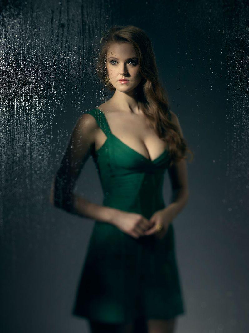 <strong><em>Gotham</em></strong> Season 3 Poison Ivy Photo