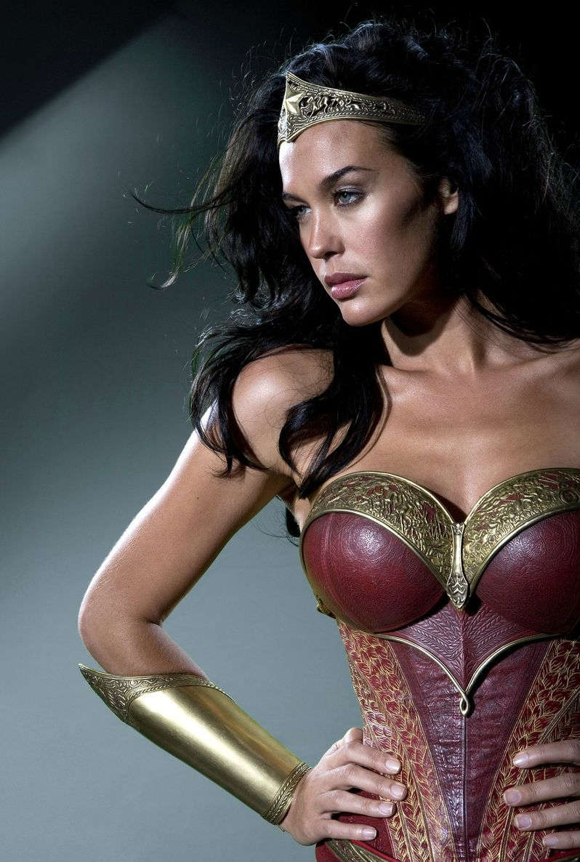 <strong><em>Wonder Woman</em></strong> Costume #2