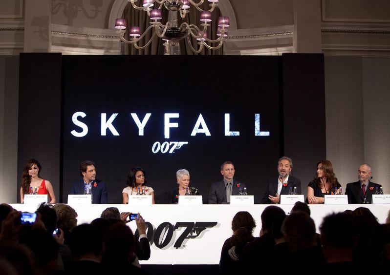 <strong><em>Skyfall</em></strong> London Press Conference photo 2