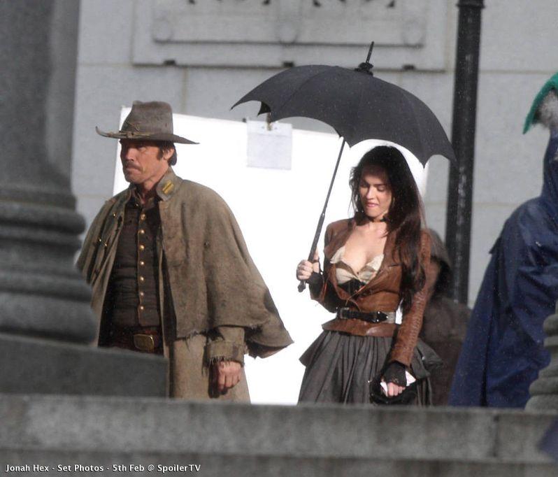 Josh Brolin and Megan Fox on the set of <strong><em>Jonah Hex</em></strong>