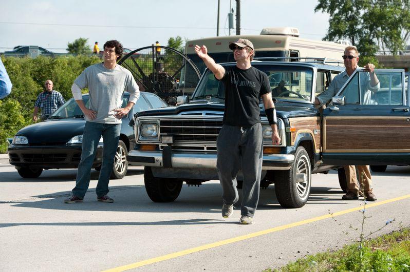 Henry Cavill, director Zack Snyder, and Kevin Costner on the <strong><em>Man of Steel</em></strong> set