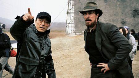 Director Yimou Zhang and Christian Bale on The 13 Women of Nanjing set