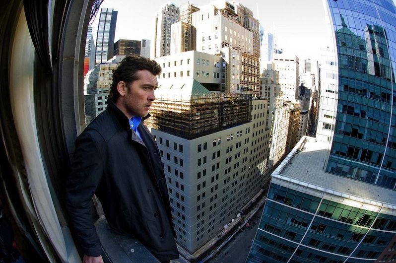 <strong><em>Man on a Ledge</em></strong> Photo