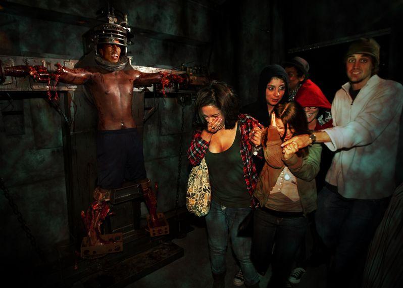 Universal's Halloween Horror Nights 2010 photo 4
