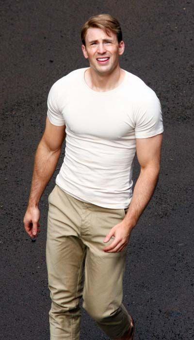 Chris Evans on the set of <strong><em>Captain America: The First Avenger</em></strong>