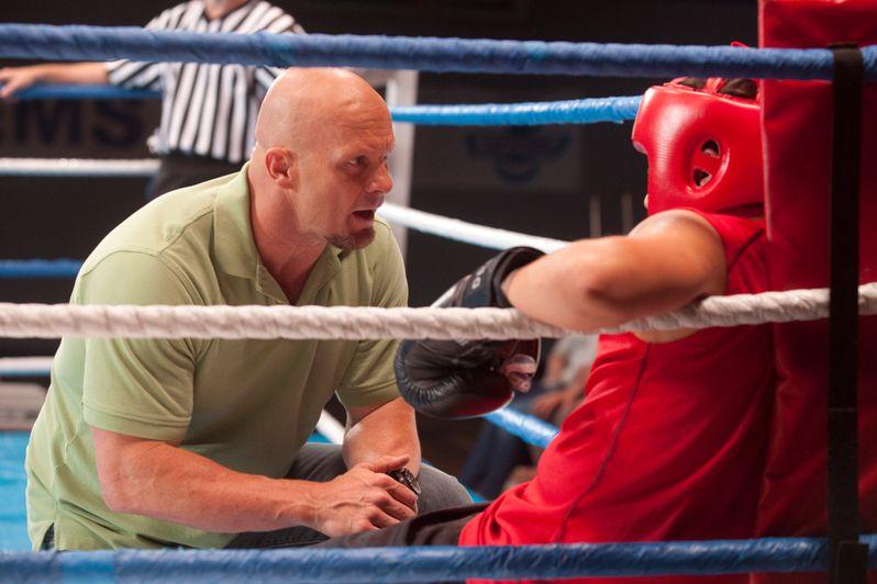 Steve Austin coaches Jaren Brandt Bartlett in Knock Out