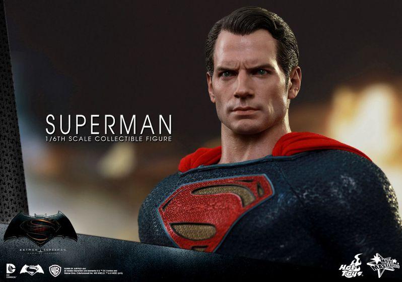 <strong><em>Batman v Superman: Dawn of Justice</em></strong> Hot Toys Photo 25