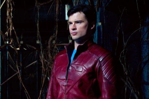 Tom Welling wearing a Superman jacket in Smallville #1