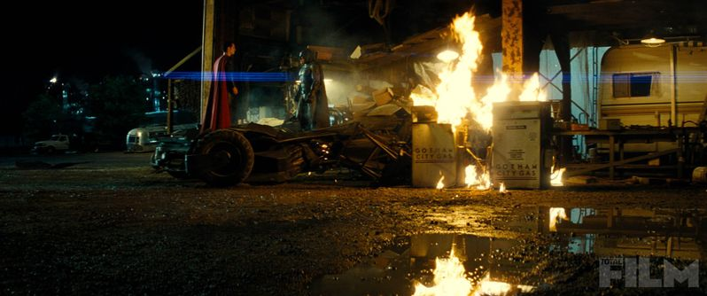 Batman v Superman Total Film Photo 4
