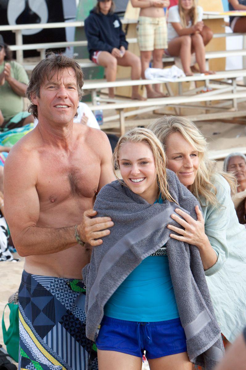 Dennis Quaid, AnnaSophia Robb and Helen Hunt in <strong><em>Soul Surfer</em></strong>