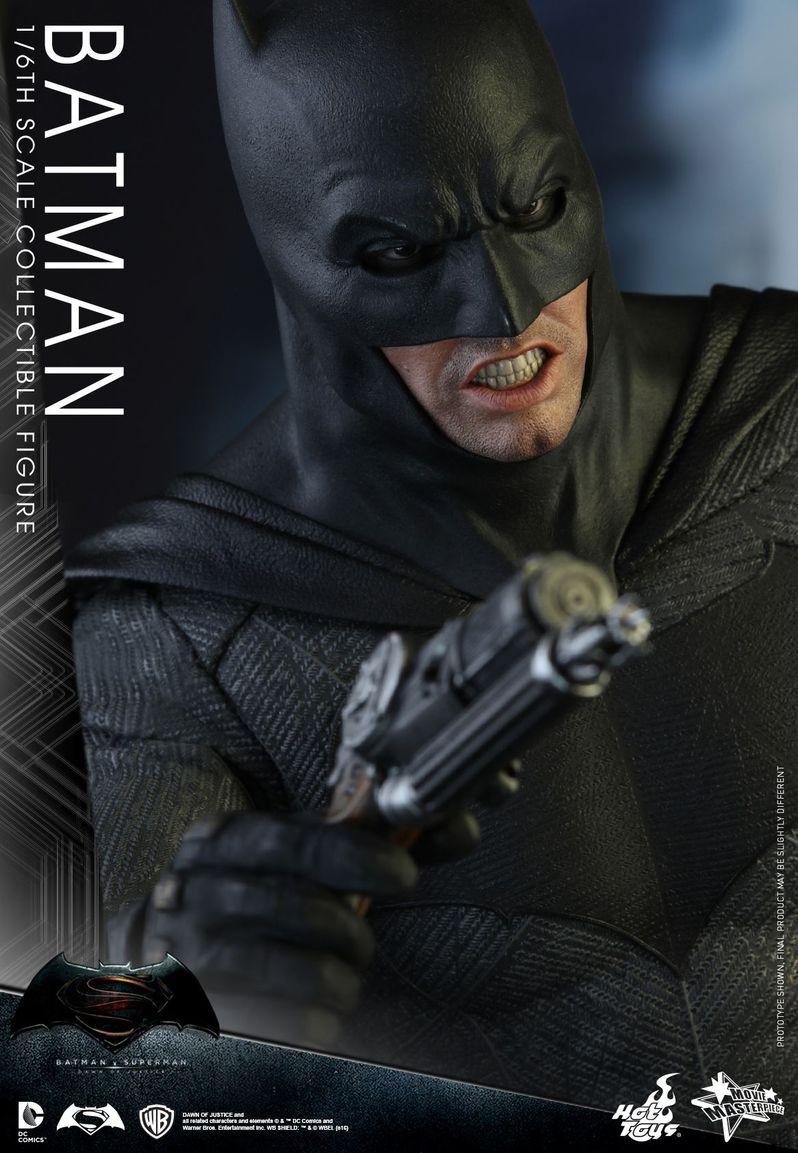 <strong><em>Batman v Superman: Dawn of Justice</em></strong> Hot Toys Photo 8