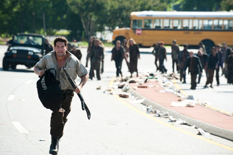 <strong><em>The Walking Dead</em></strong> Episode 2.1 Photo #3