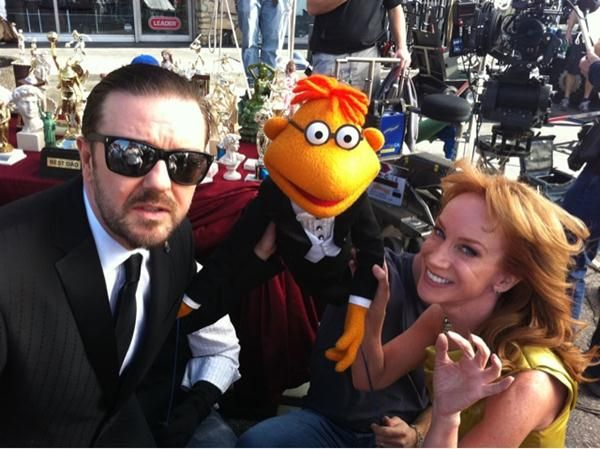 Ricky Gervais, the muppet Scooter and Kathy Griffin on <strong><em>The Muppets</em></strong> set