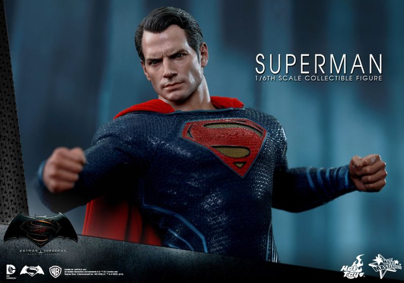 <strong><em>Batman v Superman: Dawn of Justice</em></strong> Hot Toys Photo 28