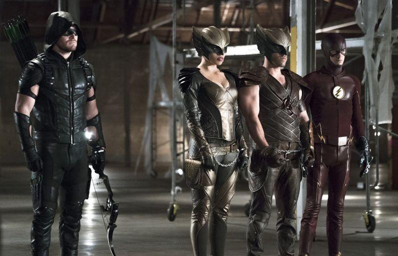 <strong><em>Arrow</em></strong> Flash Crossover Photo 1
