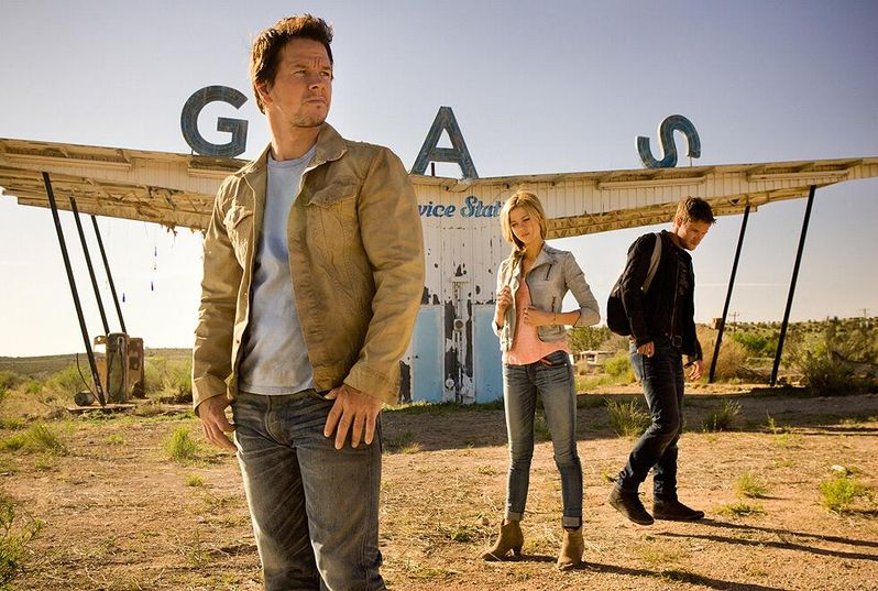 Transformers Age of Extinction Cast Photo