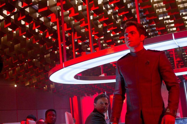<strong><em>Star Trek Into Darkness</em></strong> Photo #9