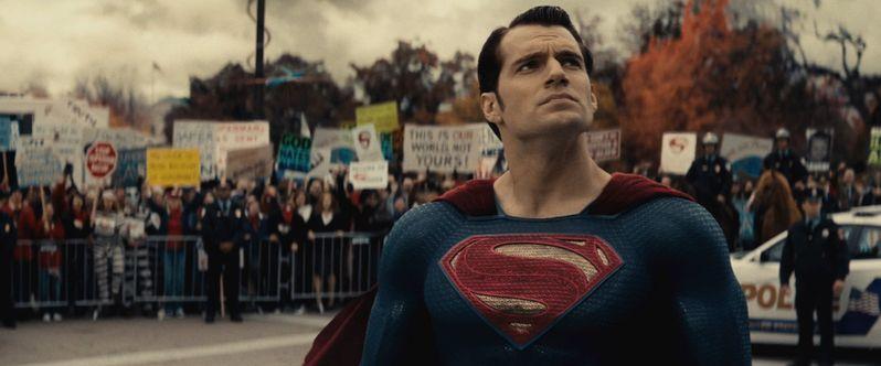 <strong><em>Batman v Superman: Dawn of Justice</em></strong> photo 4