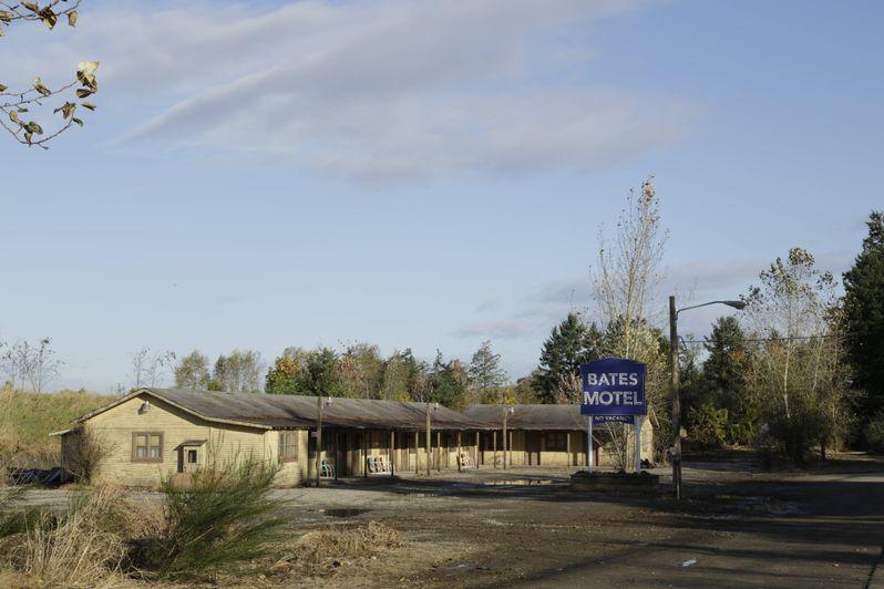 <strong><em>Bates Motel</em></strong> Photo 16