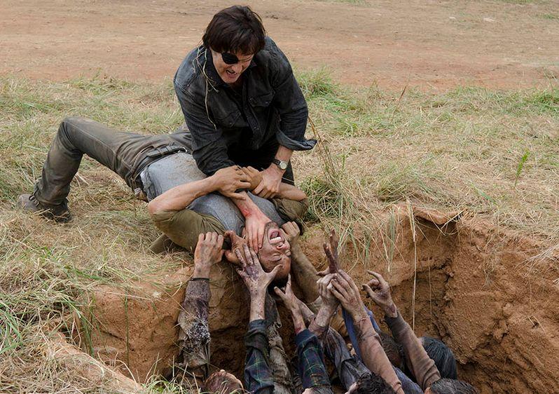 <strong><em>The Walking Dead</em></strong> Dead Weight Photo 6