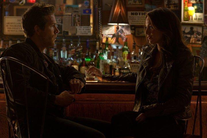 Ryan Reynolds and Blake Lively in <strong><em>Green Lantern</em></strong>