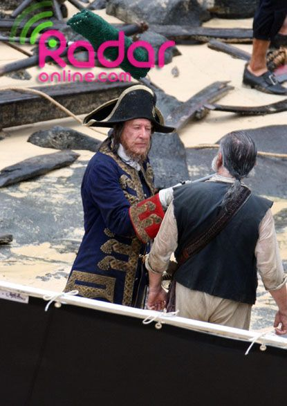 Geoffrey Rush as Barbosa